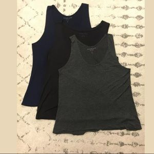 Lot of 3 Everlane scoop neck 100% Rayon tank tops